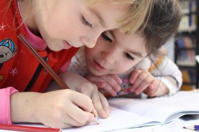 A gyerekek megunhatatlan kedvence a ceruza