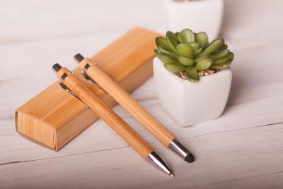 Környezetbarát tollak természetes anyagokból